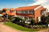 """Unser """"Hotel Kolb Classic"""" in der Außenansicht. Auf der linken Seite sehen Sie unser hauseigenes Gourmet-Restaurant """"Schiffchen"""""""
